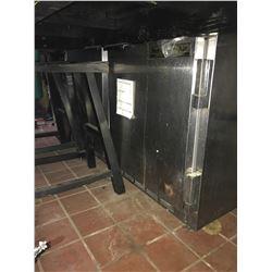 2 DOOR STAINLESS STEEL COOLER (UNDER FISH STATION)