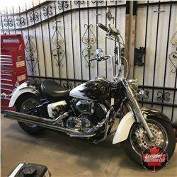 2002 Yamaha V-Star 1100 Motorcycle (Custom Paint & Accessories)