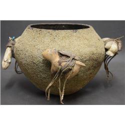 ZUNI INDIAN FETISH JAR (LEKI)