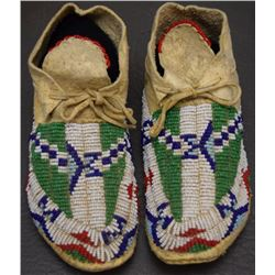 SIOUX INDIAN CHILD'S MOCCASINS