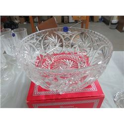 PINWHEEL CRYSTAL FOOTED BOWL