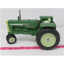 OLIVER 1555 TRACTOR