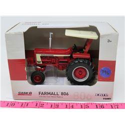 ERTL CASE IH FARMALL 806 TRACTOR