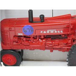 CASE IH FARMALL 300 TRACTOR