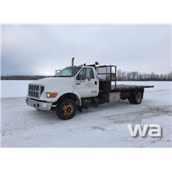 2003 FORD F650 S/A ROLL OFF DECK TRUCK