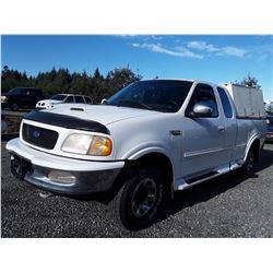 F3 --  1997 Ford F250 , White , 280823  KM's