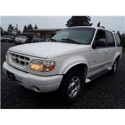I1 --  2000 Ford Explorer Limited , White , 217161  KM's