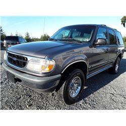 L6 --  1998 Ford Explorer , Grey , 234198  KM's