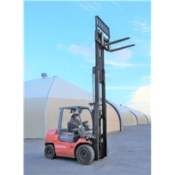 2011 Toyota Diesel Forklift 7k Capacity 2606 Hours Model 7FDU35 (Runs,Drives,Lifts,See Video)