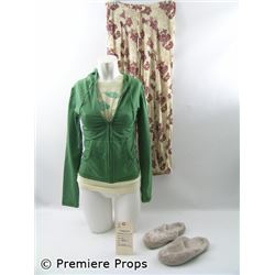 Crossing Over (2009) Claire (Alice Eve) Movie Costumes