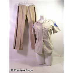 Piranha 3-D Sheriff Julie Forester (Elisabeth Shue) Movie Costumes