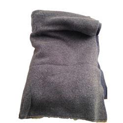 The Upside Phillip (Bryan Cranston) Cashmere Blanket Movie Props