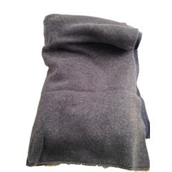 The Upside Phillip (Bryan Cranston) Cashmere Blanket Movie Props