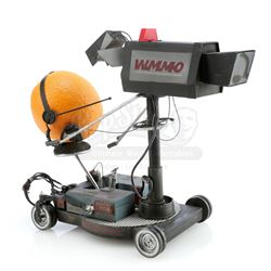 Minute Maid Orange's Stop-Motion Cameraman Puppet and Camera Miniature - MINUTE MAID ORANGE SODA COM
