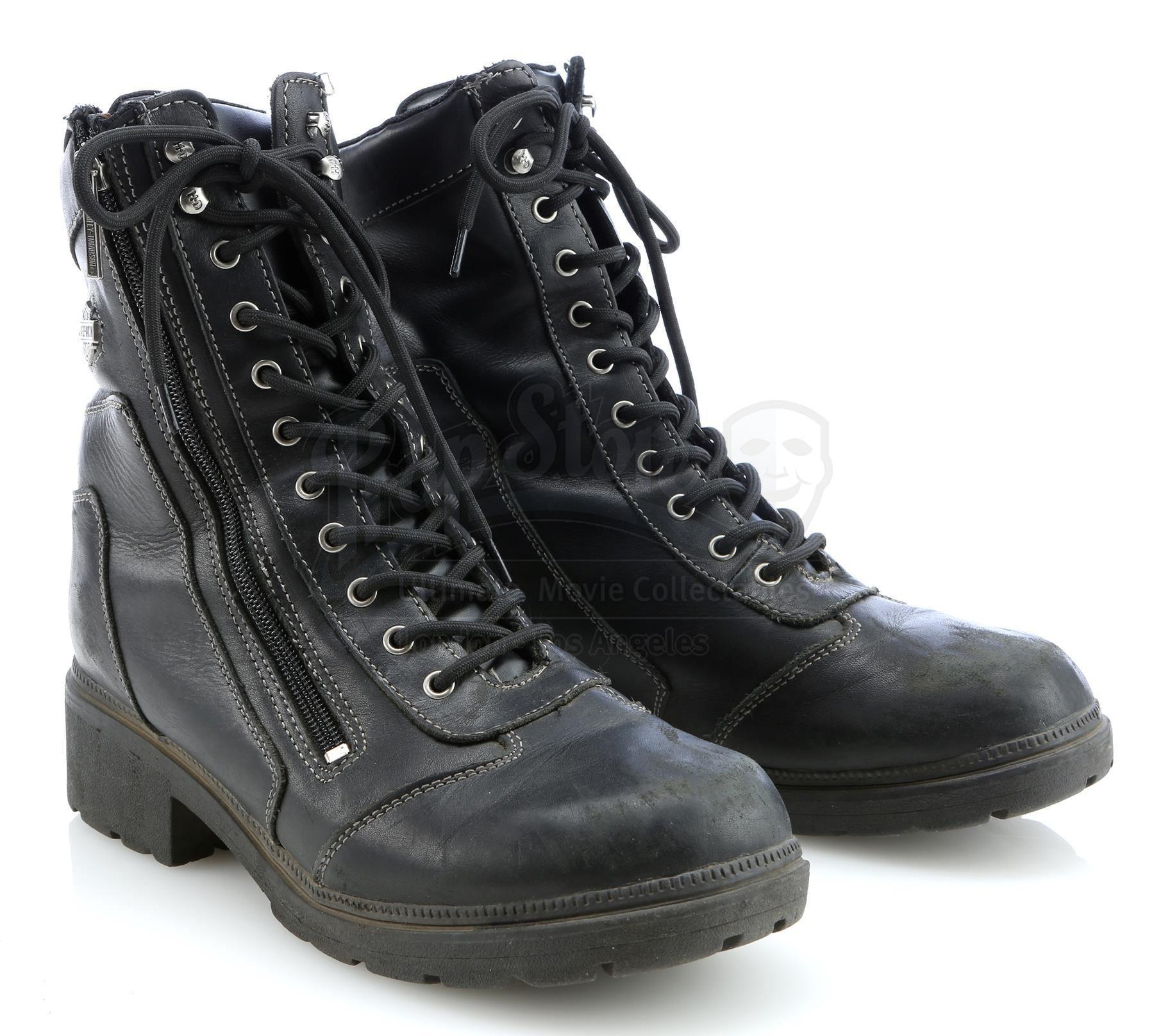 460b034b66f Gemma Teller Morrow's (Katey Sagal) Death Scene Motorcycle Boots - SONS OF  ANARCHY (2008 - 2014)