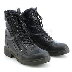Gemma Teller Morrow's (Katey Sagal) Death Scene Motorcycle Boots - SONS OF ANARCHY (2008 - 2014)