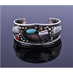 De Navajo Bear Claw Turquoise And Red Coral