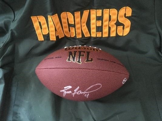 huge discount 9bf13 2a383 Brett Favre Autographed Football