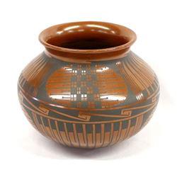 Mata Ortiz Pottery Jar by Tavo Silveira