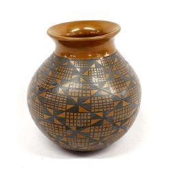 Mata Ortiz Eye Dazzler Fine Line Pottery Jar