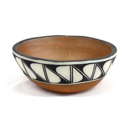 Beautiful Santo Domingo Pottery Dough Bowl
