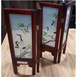 MINIATURE JAPANESE FOLDING SCREEN W/BIRD PATTERN