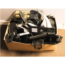 BOX OF ASSORTED STAPLERS AND HOLE PUNCHES