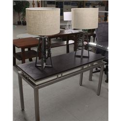 METAL FRAME SOFA TABLE INCLUDES TWO LAMPS