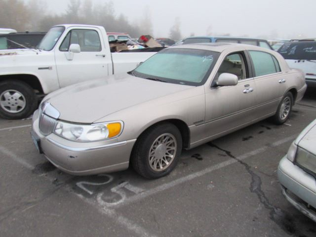 2001 Lincoln Town Car Speeds Auto Auctions