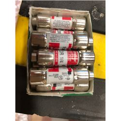 Assorted 600 Volt fuses