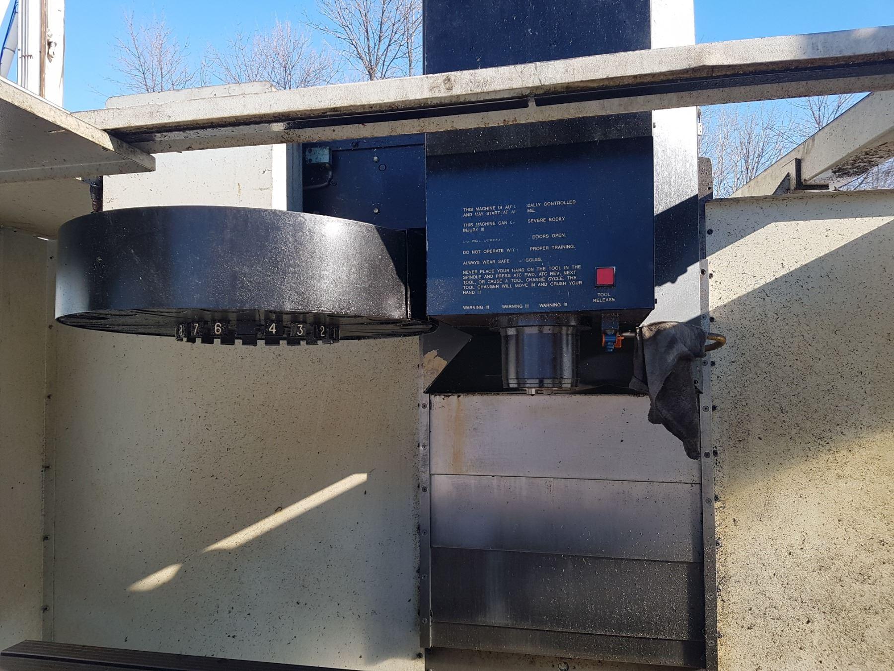 HAAS CNC Milling machine Model: VF-4 (Broken board system)