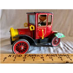 MODEL T STYLE BATTERY OPERATED TIN CAR