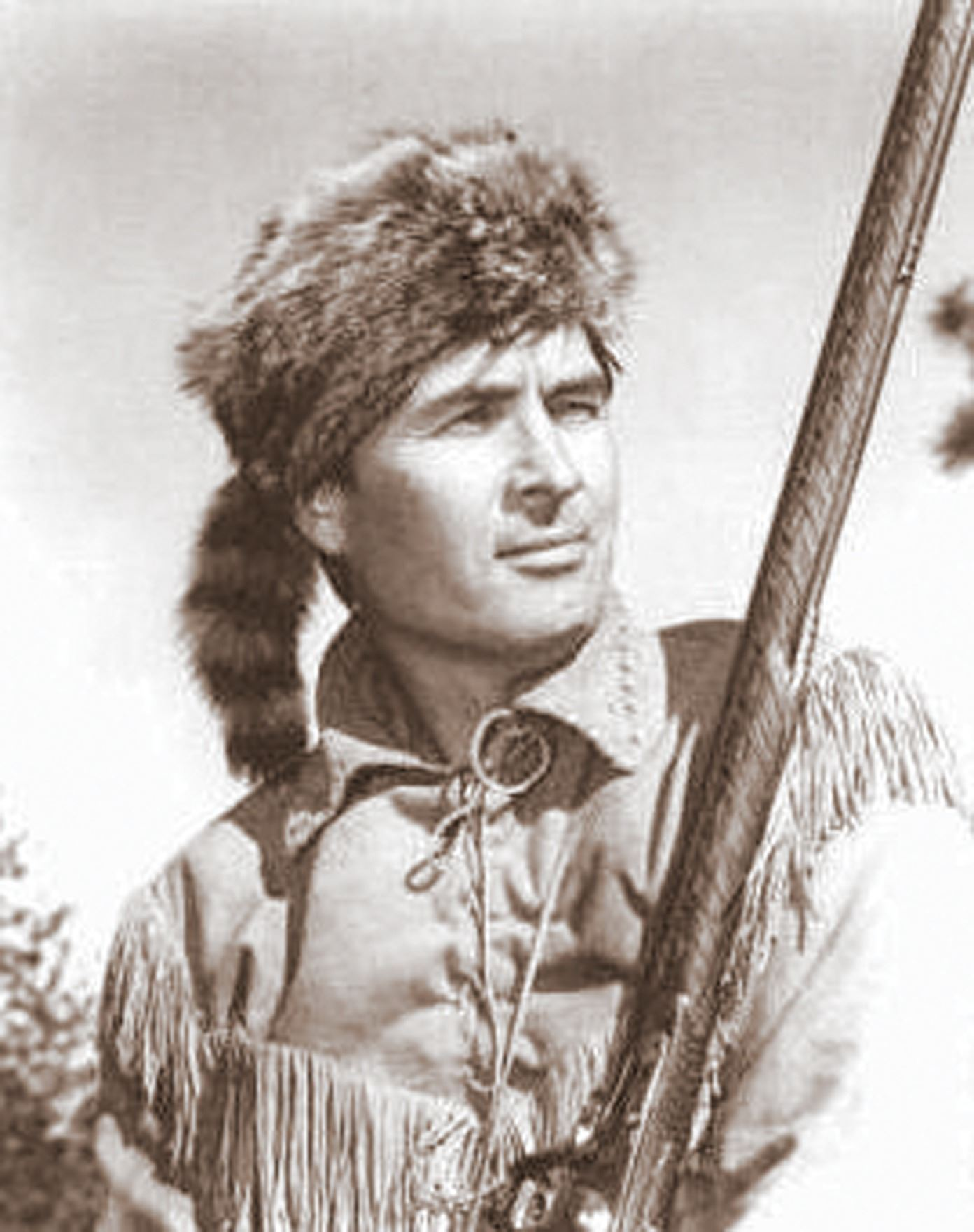 "... Image 3   Fess Parker ""Davy Crockett"" coonskin hat from Walt Disney s  Wonderful World 750f96cbf0f0"