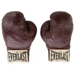 "Robert De Niro ""Jake La Motta"" boxing gloves from Raging Bull with production shooting script."