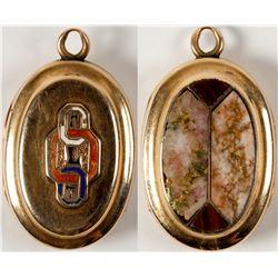 California Gold in Quartz oval pendant
