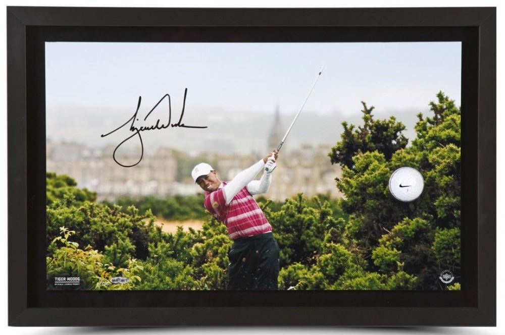 51e6c91c Tiger Woods Signed LE