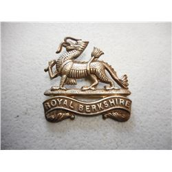 WWI ERA ROYAL BERKSHIRE CAP BADGE