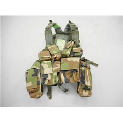 MILITARY TACTICAL BACKPACK/VEST WITH CANTEENS