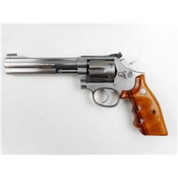 SMITH & WESSON , MODEL: 617 , CALIBER: 22LR