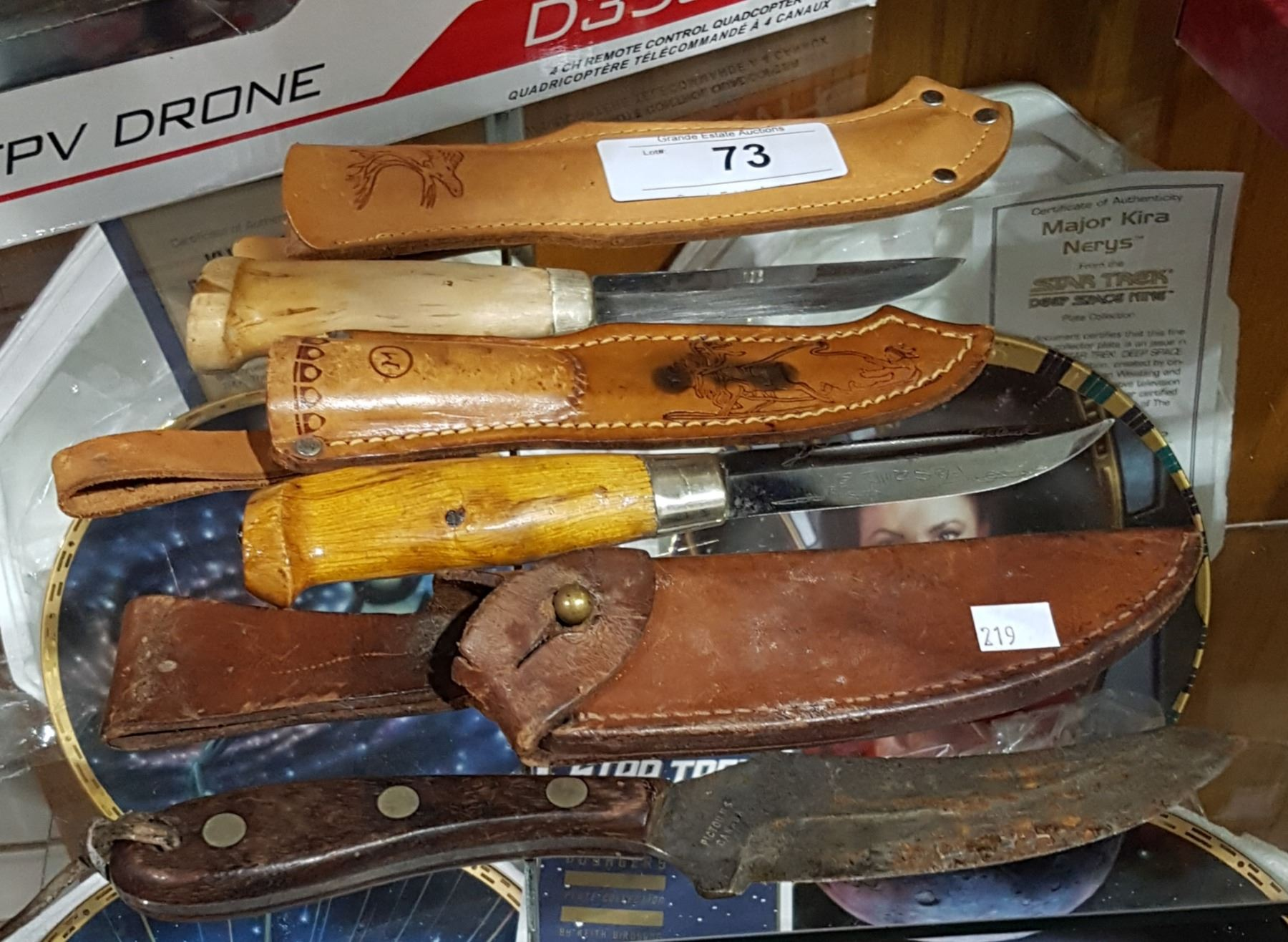 3 VINTAGE FINNISH KNIVES IN LEATHER SHEATHS