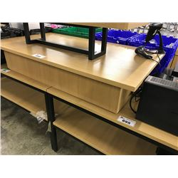 WOOD RETAIL DISPLAY PLATFORM