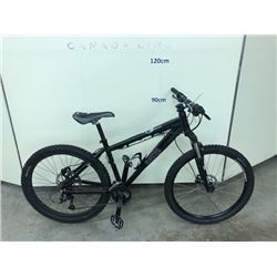 BLACK NORCO SASQUATCH 16 SPEED FRONT SUSPENSION MOUNTAIN BIKE WITH FRONT AND REAR HYDRAULIC DISK