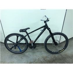BLACK TREK 7.2 24 SPEED FRONT SUSPENSION MOUNTAIN, NO BRAKES