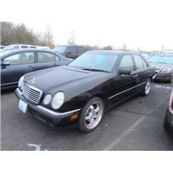 1999 Mercedes-Benz E320