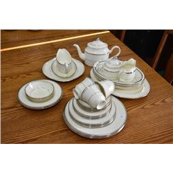 "Selection of Minton ""Bridal Veil"" bone china including oval platter, three open vegetable dishes, gr"