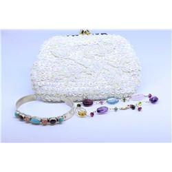 Selection of jewellery including 14kt yellow gold and gemstone bracelet, sterling silver bracelet se