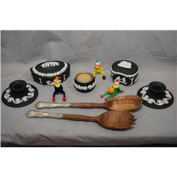 Selection of collectibles with five pieces of Wedgwood black jasperware including lidded trinket box
