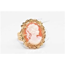 Ladies 10kt yellow gold and cameo ring