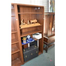 Quality office shelf unit with adjustable shelves made by Standard Desk