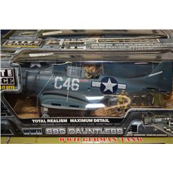 Two new in package 1:32 scale display models including Elite Force SBD Dauntless fighter plane and T
